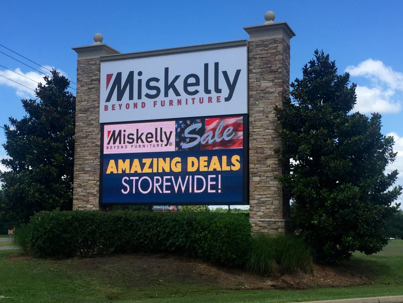 Miskelly Furniture Member S Gallery The Sign Syndicate