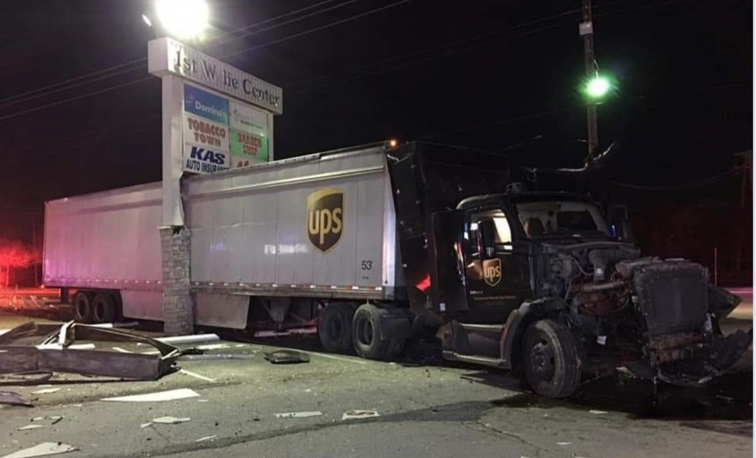 UPS Truck vs Pylon Sign.jpg